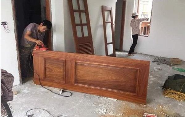 mẹo khắc phục cửa gỗ bị xệ